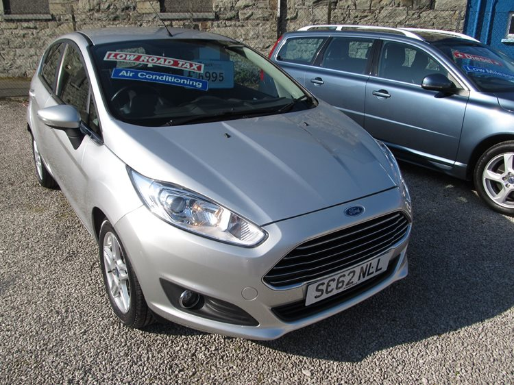 Ford Fiesta 1.25 Zetec 5 Door Hatchback in Silver Metallic