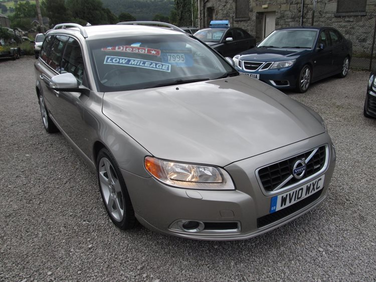 Volvo V70 2.0 D R-Design SE 5 Door Estate in Gold Metallic