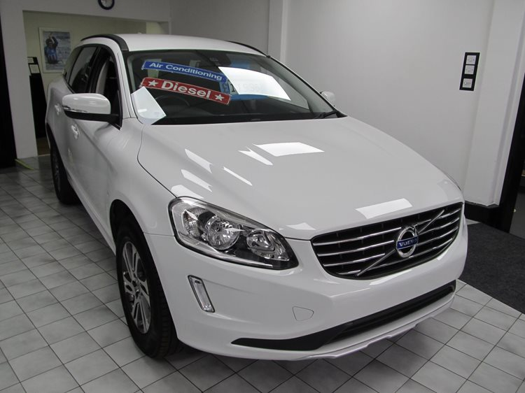 NOW SOLD Volvo XC60 2.0TD D4 181bhp SE 5 Door MPV in White