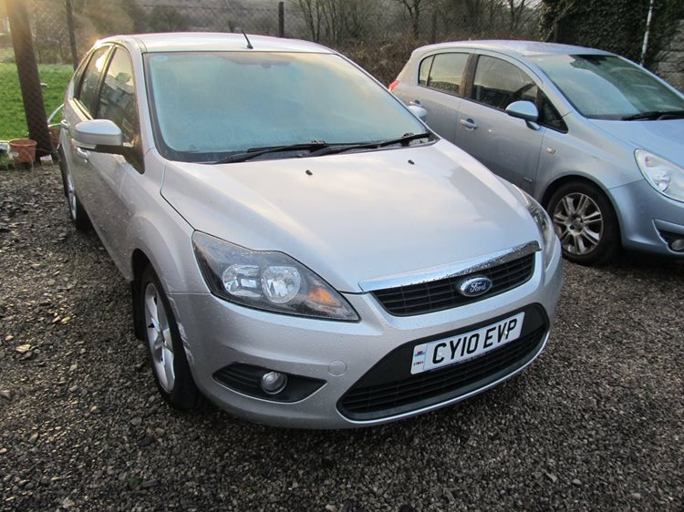 Ford Focus 1.6TDCi 110 Zetec 5 Door Hatchback in Silver